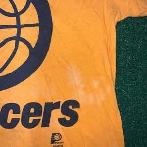 Vintage Shirts - Vintage Logo Athletics Indiana Pacers Tee Size L